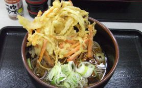 【立ち食いそば】神田「めんや」 380円で味わえる絶品天ぷらそば