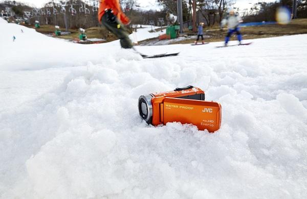雪の上のGZ-R300