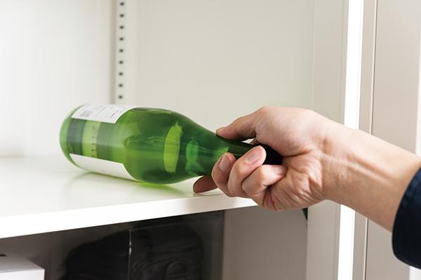 ↑酒便を横にすると、酒と空気が触れる面積が増えてしまうのでNG。酒が栓に触れて、腐食の原因になることもあります