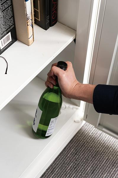 ↑冷暗所への保存も4合瓶がラク。ちょっとしたスペースがあれば保存できるので便利です