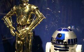 ダース・ベイダー卿がお出迎え! 等身大のR2-D2も! 「スター・ウォーズ展」詳細レポート