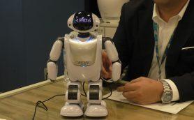実は高齢者に売れている、DMM.make ROBOTS
