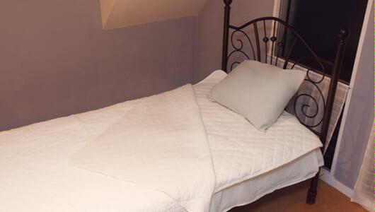 医療向けのノウハウが生んだ寝具が、年間10万枚突破の大ヒット中!