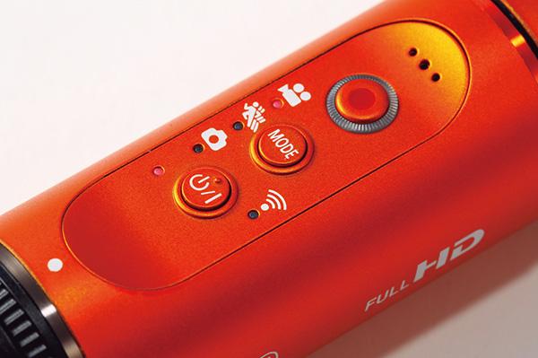 ↑操作系統はシンプル。電源、モード切替/Wi-Fi、撮影開始/停止の各ボタンが備わります