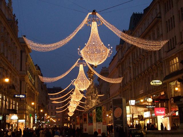 美しいヨーロッパの街並み。でも今シーズンは少し割高…?
