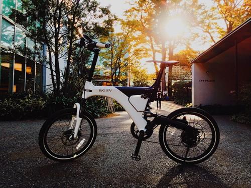日本初、スマホ対応のラグジュアリー&プレミアムe-bike「BESV LX1」【11月25日発売】