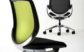 オフィスワーカー必見! 人に合わせて座り心地が変わる魔法のようなオフィスチェア