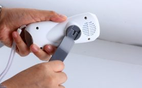 東日本大震災で活躍した手回し式充電器が全スマホ対応で超小型軽量&手のひらサイズに!