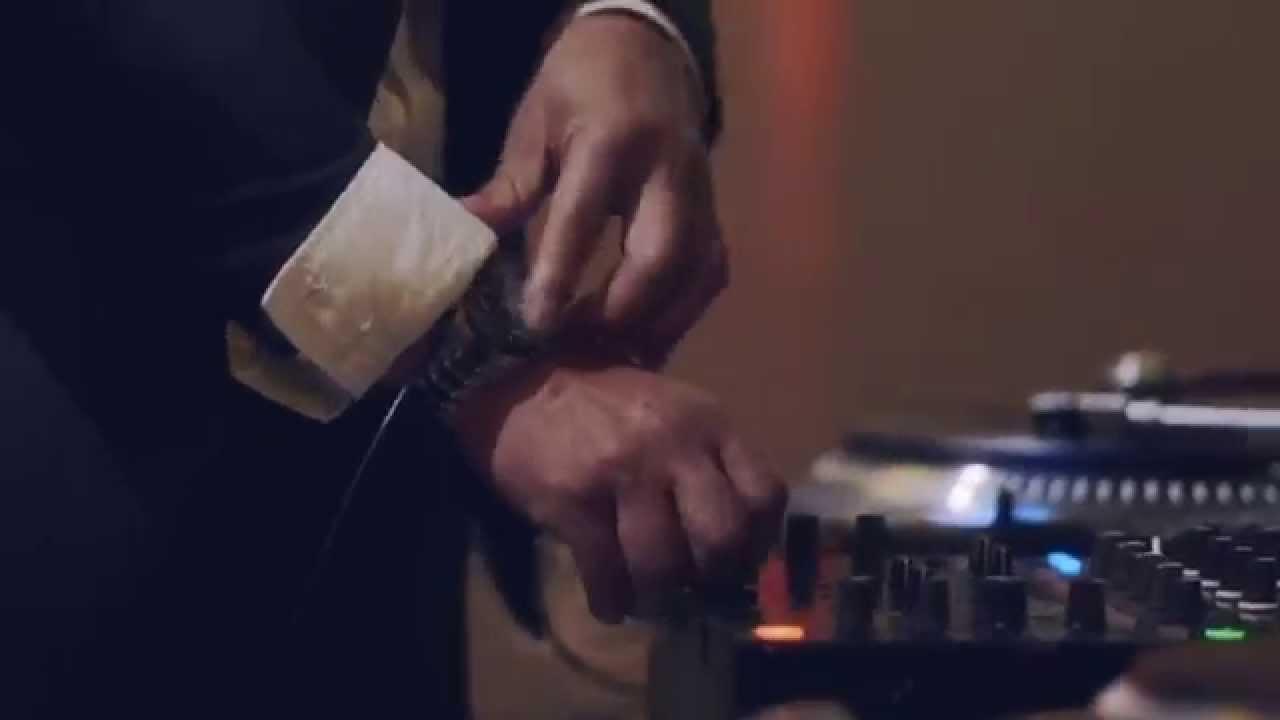 腕時計でDJプレイするムービーが話題沸騰中!【動画】