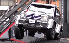 【動画】発表会の特設コースごときでは余裕! メルセデス G550 4×4 2の走破性を動画で紹介