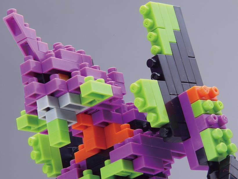 ブロックの細かい設計で、初号機カラーを再現しました