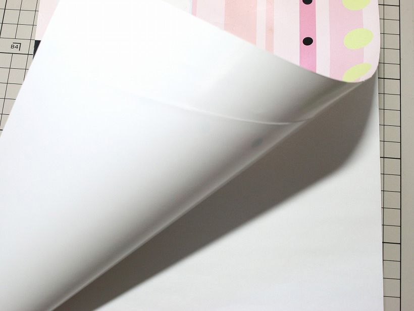 ↑中は白無地のノートパッド
