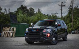 未来の覆面パトカーはこうなる? フォードが新開発した「バイザーライトバー」って?
