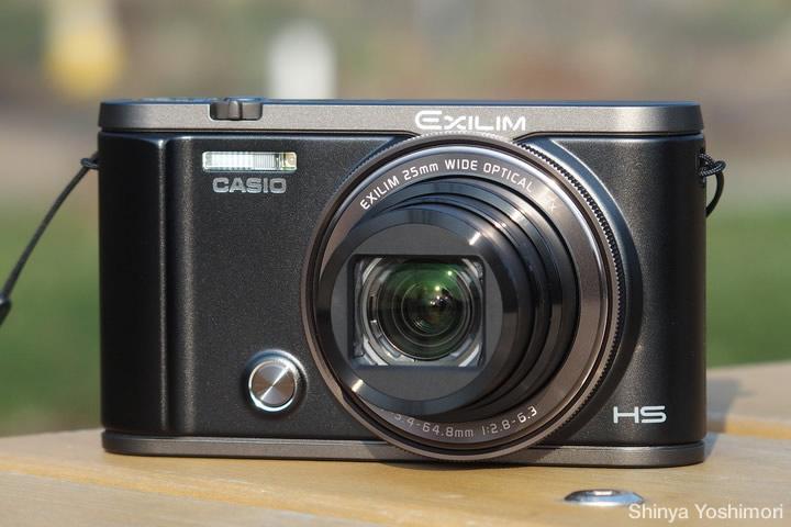 自分撮りや簡易セルフタイマー撮影が快適! 「カシオ エクシリム EX-ZR3000」