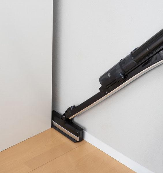 ↑隙間掃除用のI字型にすると、ノズル幅は5cmに。気になる隙間もバッチリ掃除できる