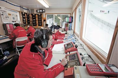 ↑2010年2月12日〜28日に開催された、第21回冬季オリンピックバンクーバー大会での公式計時風景