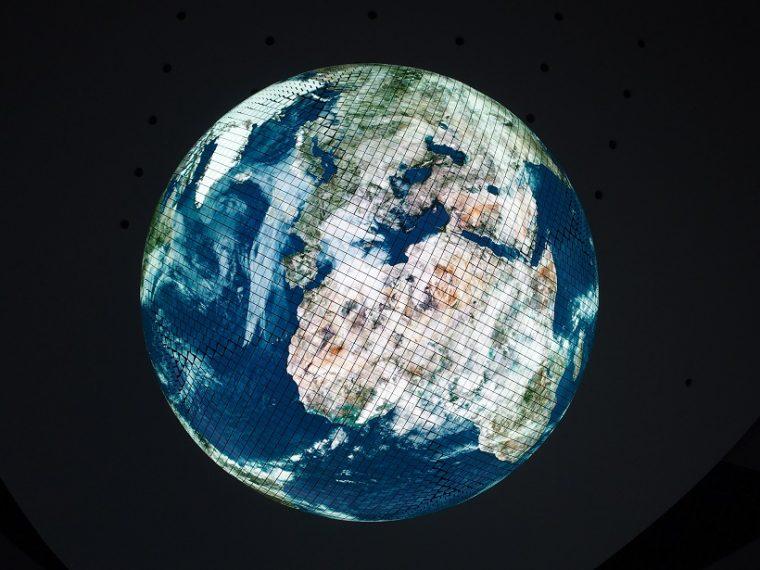 ↑普段のジオ・コスモス。雲の動きまでわかる地球儀だ