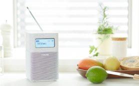 インテリアになじむウッド素材のホームラジオ ソニー「SRF-V1BT」