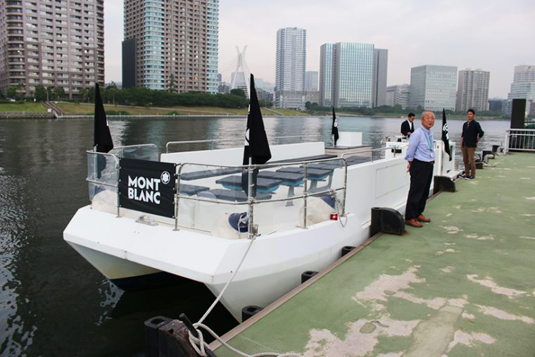 ↑梅雨入りしたばかりで天候の不安もあったが、無事に出航