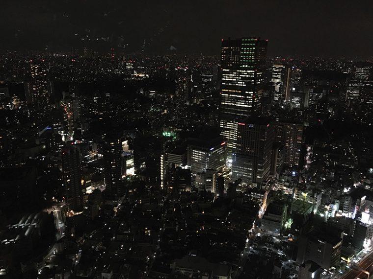 ↑夜景を撮影した。iPhone 6s Plusでは黒くつぶれてしまうビルの陰も、Galaxy S7 edgeでは明るく撮れた。