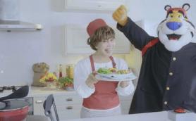 """【動画】平野レミの""""強烈な""""1分間クッキングが帰ってきた! 第2弾は「チャーグラ」なるものに挑戦"""