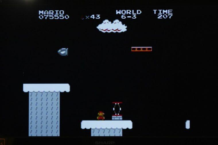 ↑ワープでスキップするため見たことがないという人も多いワールド6。モノクロのビジュアルがスタイリッシュ!