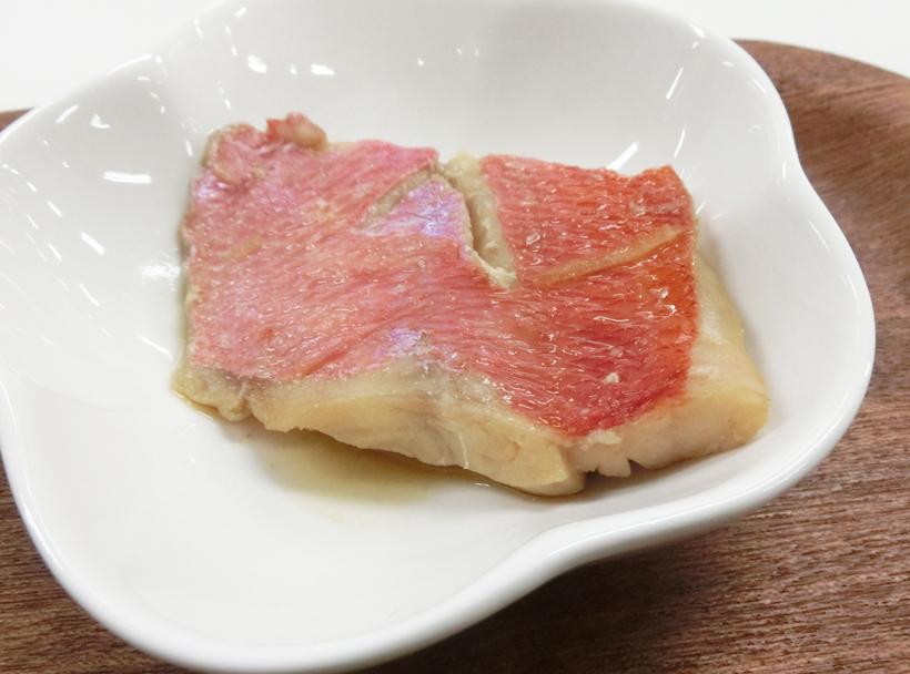 ↑ほどよく生姜が効き、身がしっとりとほぐれるきんめだいの煮付け