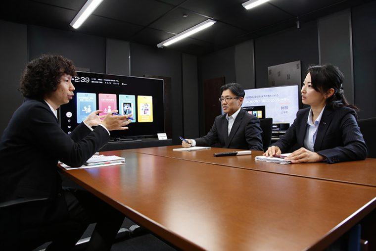 ↑SHARP クラウドサービス推進センター 稲本 憲 さん (左)、SHARP クラウドサービス推進センター 堀井(右)