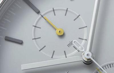 ↑形状を使い分けた時分針と小針が、ポップさを演出しています