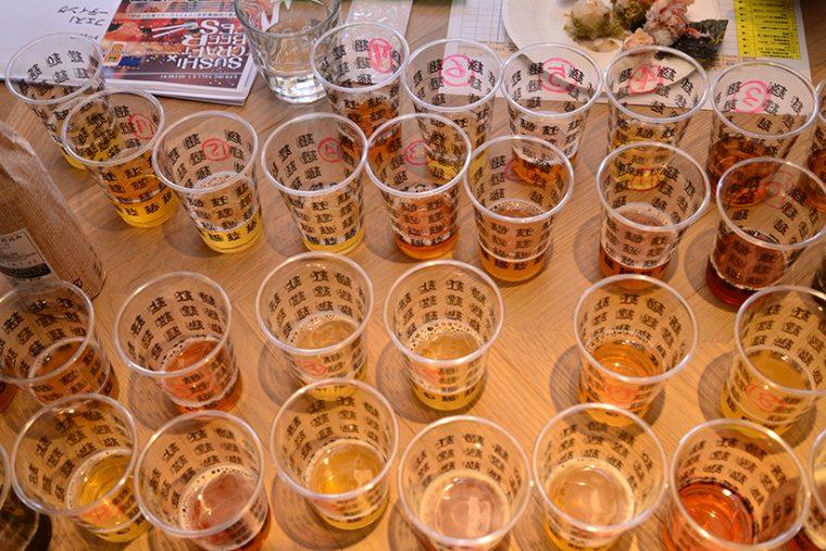 ↑コップにはビールと照合するための番号が