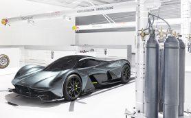 あの有名F1マシンデザイナーが設計! アストンマーティン×レッドブル・レーシングのスーパーカーが初公開
