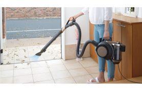 吸えないなら吹き飛ばせ! 人気の掃除機「風神」が「エアブロー機能」を強化して登場!