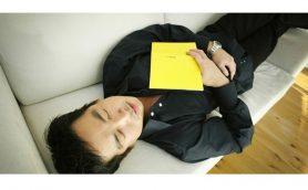 学校や会社での昼寝トレンドは正解! 眠りの専門家が教える正しい「パワー・ナップ」の方法