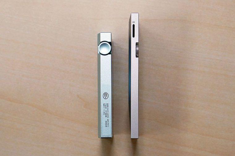 ↑AK70はAK Jrより小さくなった分、厚みが増している