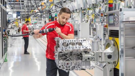 ベントレーやアウディにも供給! ポルシェが新しいV8エンジン工場を開設