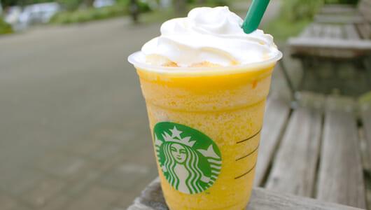 スタバ夏の注目新商品「クラッシュ オレンジ フラペチーノ」は一杯で3種のオレンジが楽しめる贅沢さだった