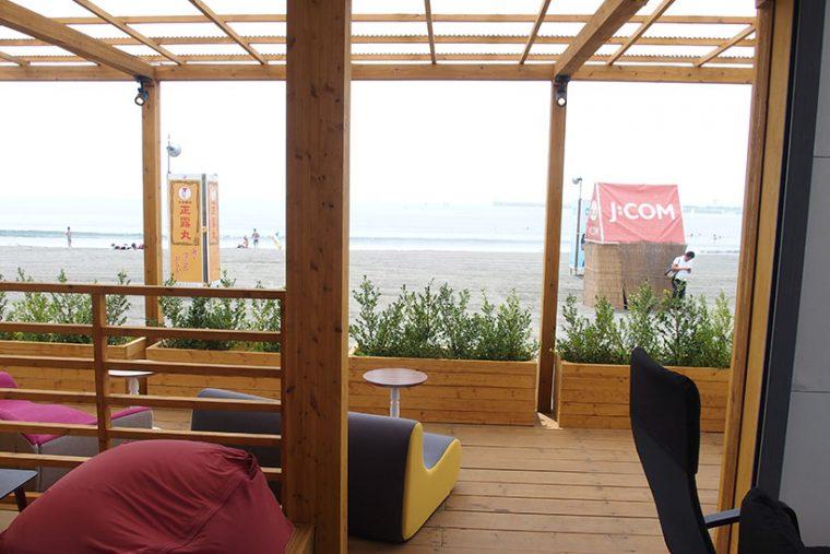↑シエスタエリアには海を見ながらくつろげるオーシャンビュースペースもあります