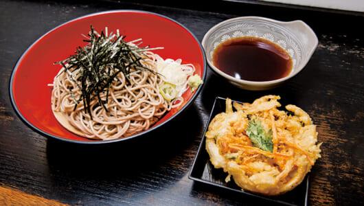 【昼は立ち食いそば】コクとしょうゆの濃厚さに舌鼓! 昭和40年からつづく上野の老舗「つるや」