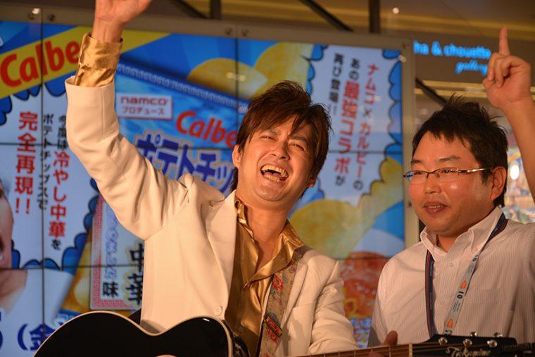 ↑右はナムコの開発担当者・山田昇平さん