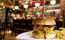 「ベッカーズ」のノウハウを昇華させた高品質路線をゆく三越前「THE BEAT DINER」【週末はハンバーガー】