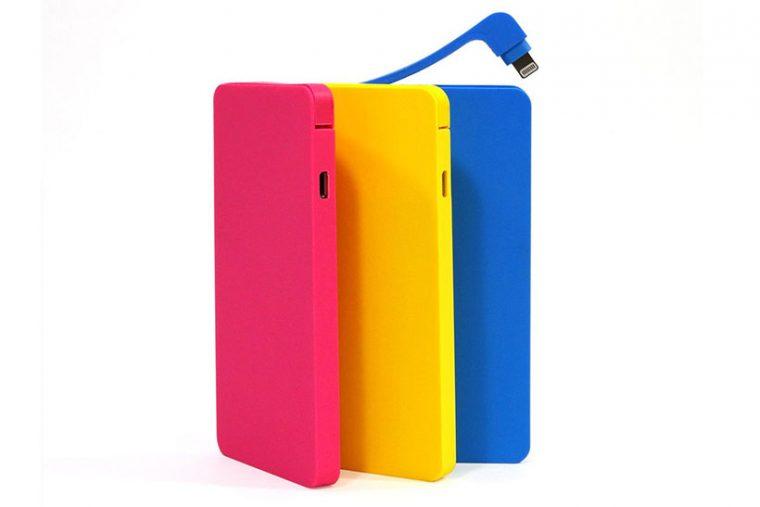 ↑カラーはホワイト、ピンク、イエロー、ブルー、ブラックの5色