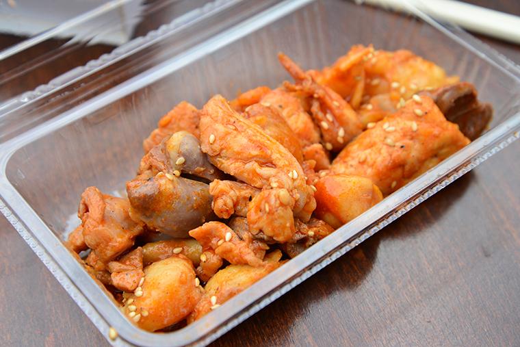 ↑鶏ホルモン焼き 500円