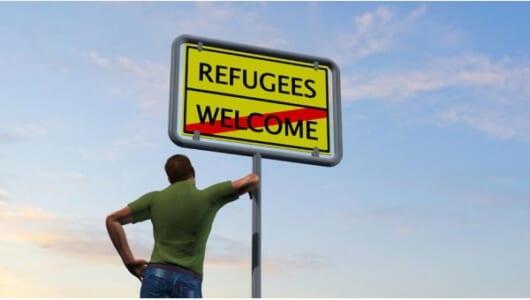 もし、近所の公園が難民キャンプになったらあなたはどうする?