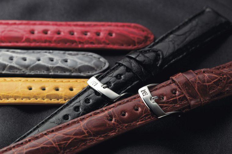↑「アマデウス」中南米産のカイマンワニの脇腹の皮革を使用。クラシカルなフォルムと発色の良さ、豊富なカラーで人気のコレクション。価格1万6200円(全14カラー)