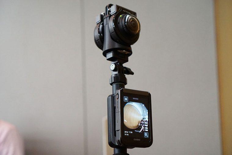 ↑2台のカメラで360度の全天球映像も撮影可能