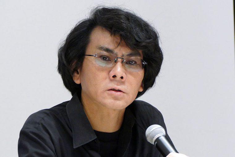 ↑大阪大学の石黒浩教授。人間そっくりのアンドロイドを開発することで有名
