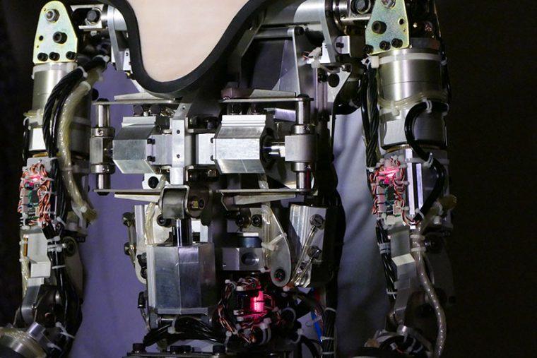↑オルタは、42本の空気アクチュエータで動く