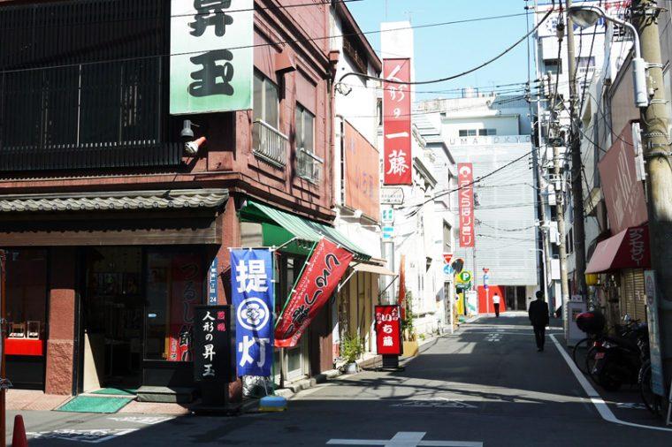↑蔵前の江戸通り界隈には、玩具メーカーや和人形の問屋がいっぱい
