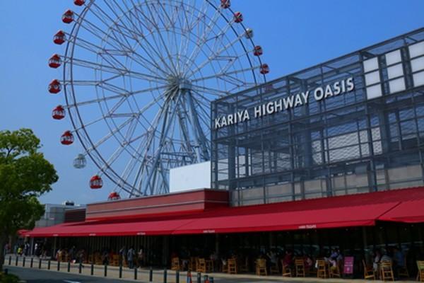 ↑伊勢湾岸自動車道「刈谷ハイウェイオアシス」には観覧車やメリーゴーランドまで設けられている。集客数はなんと日本3位