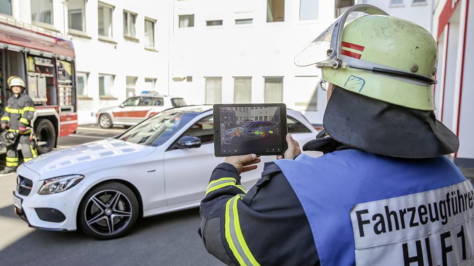 Mercedes-Benz Rescue Assist App ;  Mercedes-Benz Rescue Assist App;